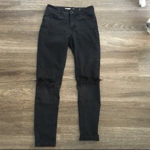 PacSun ripped knee jeans